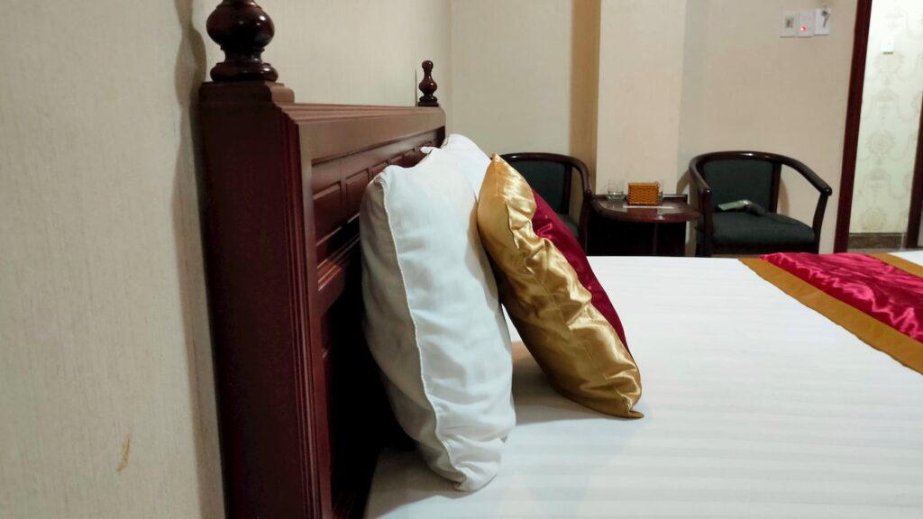 Phòng đơn tiêu chuẩn Giường nằm cùng chăn sạch sẽ