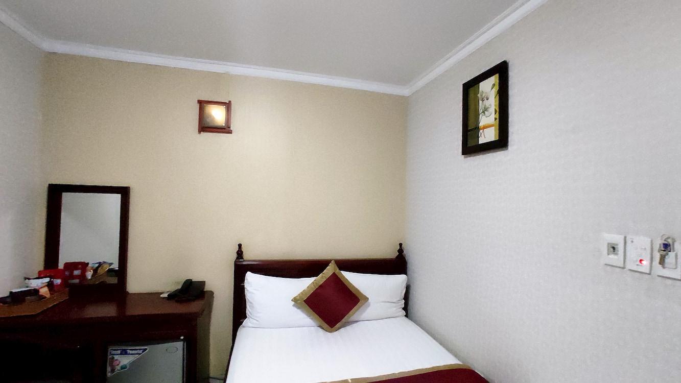 Giường và phòng 300 k độc đáo