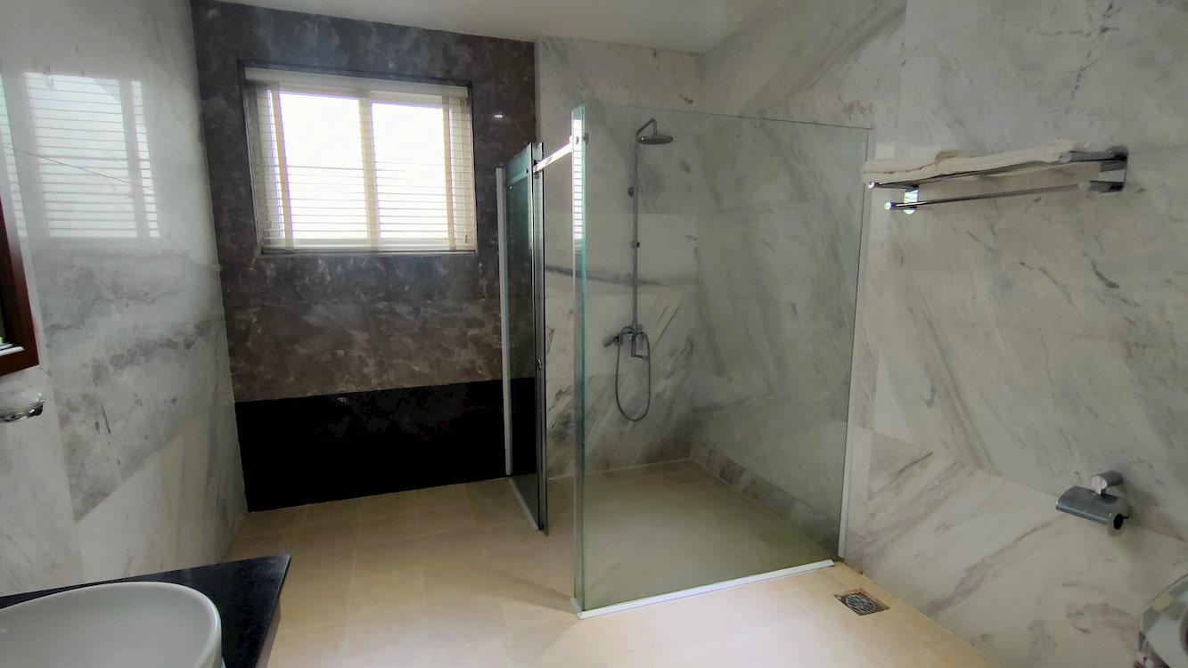 Phòng tắm của dịch vụ phòng super Vip