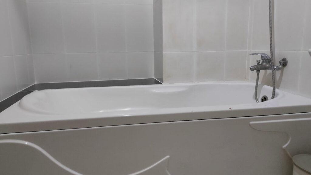Khách sạn phòng giường đôi có bồn tắm