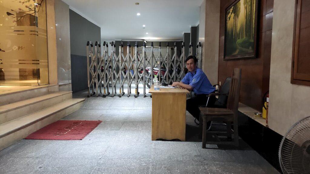 Khách sạn có bảo vệ ở quận Tân Phú