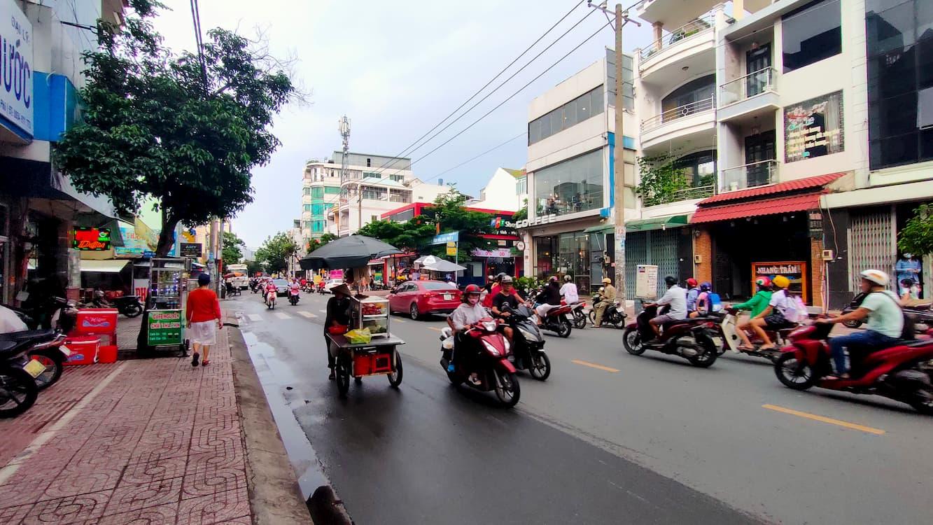 Khu vực đông đúc đường Gò Dầu, Tân Phú